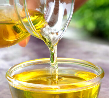Öl in Futterschüssel